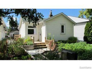 Photo 1: 1703 F Avenue North in Saskatoon: Mayfair Single Family Dwelling for sale (Saskatoon Area 04)  : MLS®# 546391