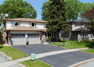 Main Photo: 2499 Waterford Street in Oakville: Bronte West House (2-Storey) for sale : MLS®# W4760147