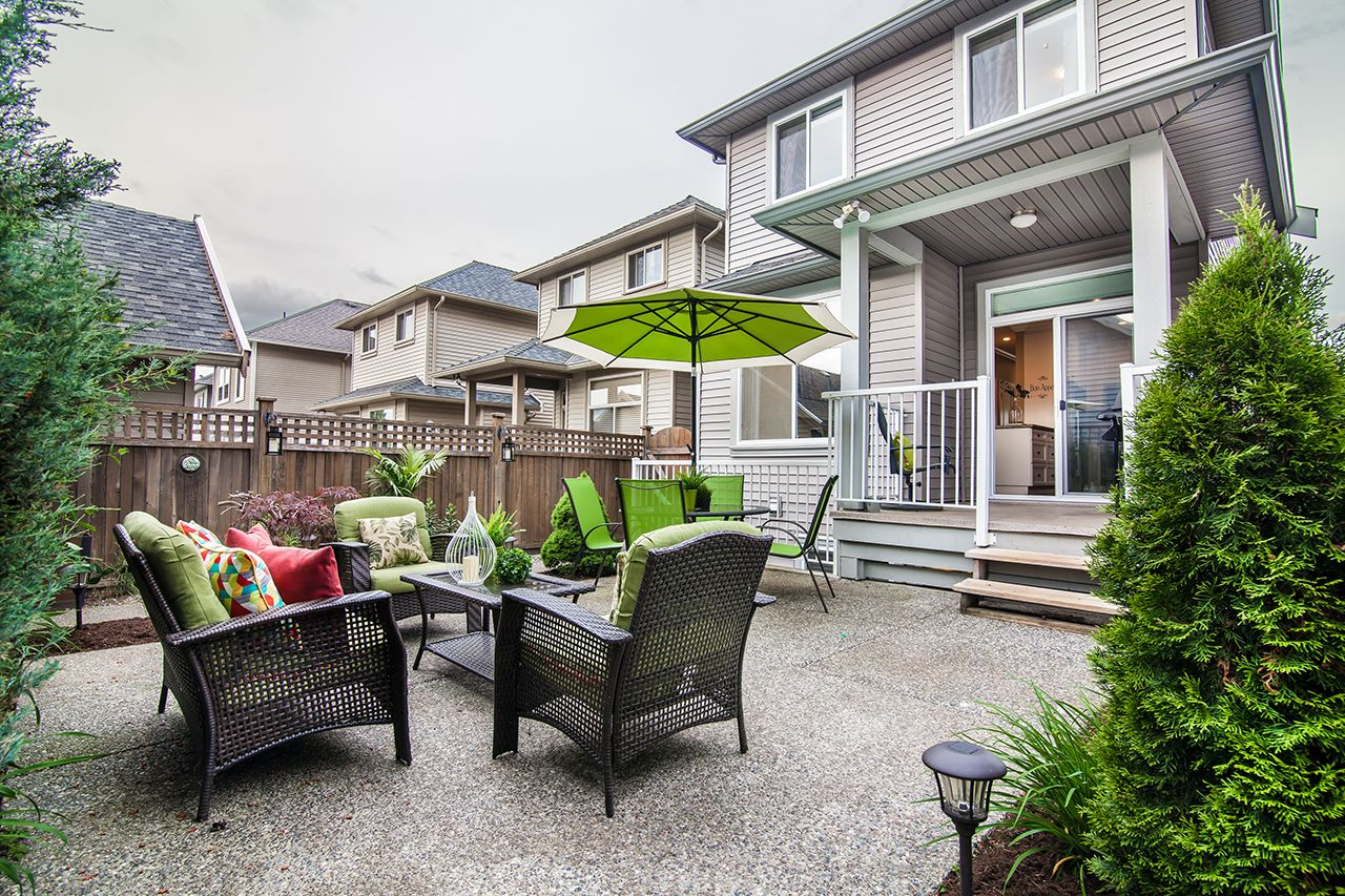 """Photo 2: Photos: 2907 152A Street in Surrey: King George Corridor House for sale in """"SOUTHPOINT ESTATES"""" (South Surrey White Rock)  : MLS®# R2278623"""
