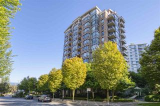 """Photo 2: 1002 170 W 1ST Street in North Vancouver: Lower Lonsdale Condo for sale in """"ONE PARK LANE"""" : MLS®# R2528414"""