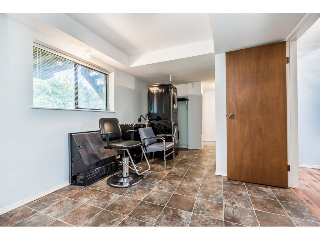 Photo 15: Photos: 2283 MCKENZIE Road in Abbotsford: Central Abbotsford House for sale : MLS®# R2313479