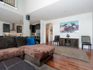 Photo 4: 68 Valley Woods Way NW in Calgary: Valley Ridge Detached for sale : MLS®# A1134432
