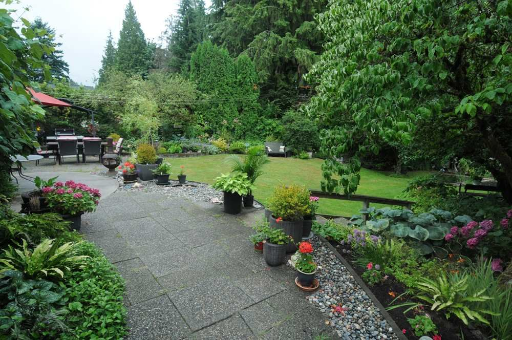 Main Photo: 2208 GREYLYNN CRESCENT in North Vancouver: Westlynn House for sale : MLS®# R2396694