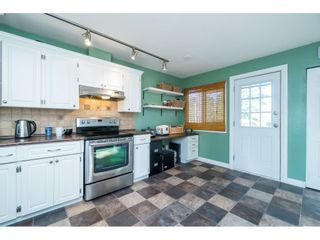 Photo 7: 6081 171A Street in Surrey: Cloverdale BC House for sale (Cloverdale)  : MLS®# R2353242