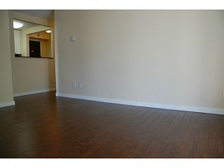 """Photo 7: 104 710 7TH Avenue in New Westminster: Uptown NW Condo for sale in """"THE HERITAGE"""" : MLS®# V1016601"""