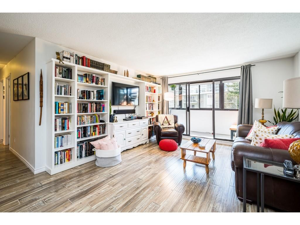 """Main Photo: 202 1448 FIR Street: White Rock Condo for sale in """"The Dorchester"""" (South Surrey White Rock)  : MLS®# R2559339"""