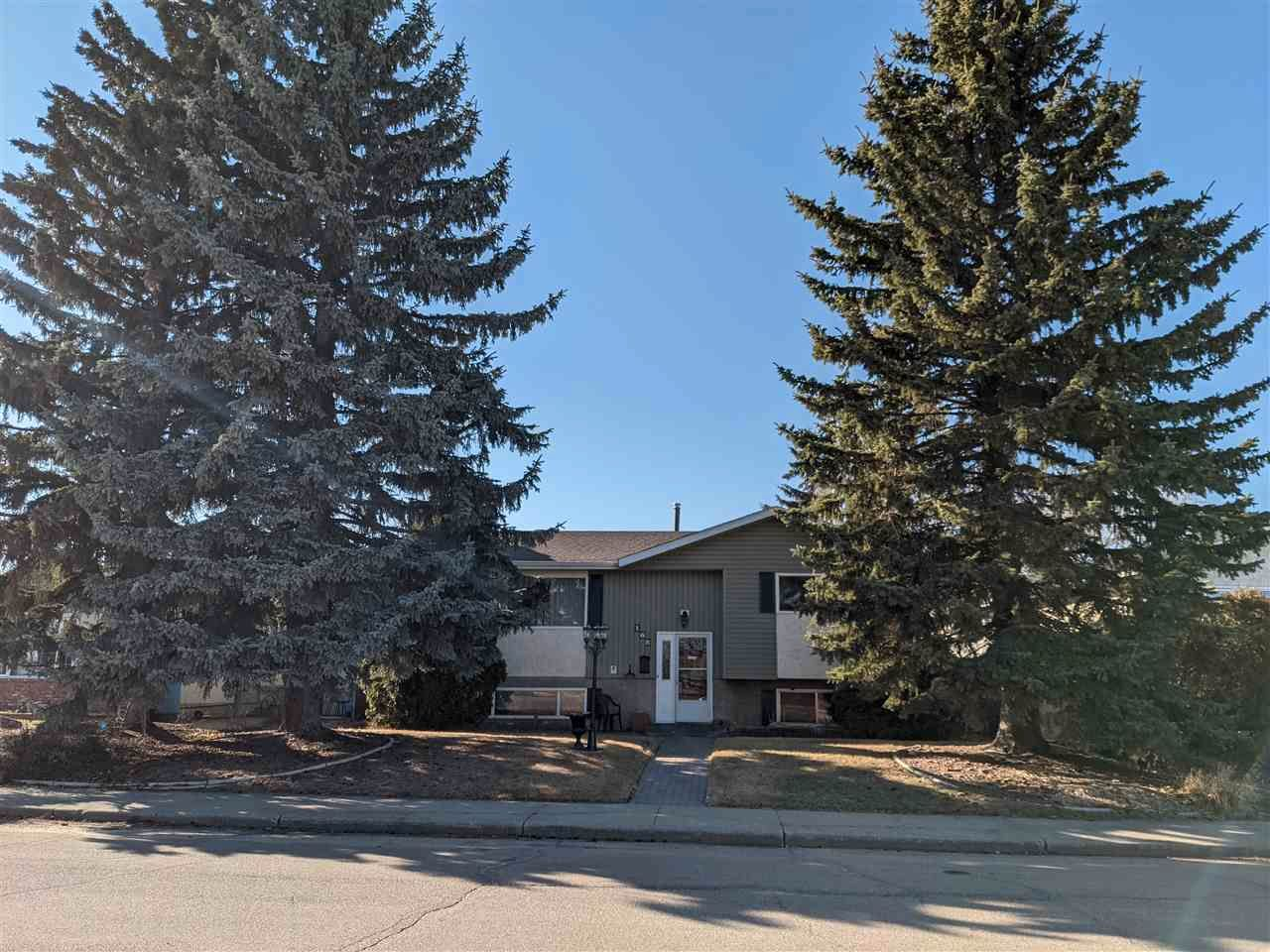 Main Photo: 168 CLAREVIEW Road in Edmonton: Zone 35 House for sale : MLS®# E4238211