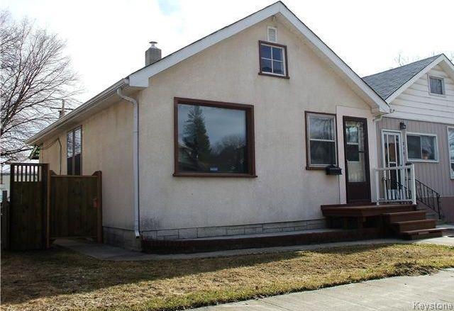 Main Photo: 218 Roger Street in Winnipeg: Norwood Residential for sale (2B)  : MLS®# 1707988