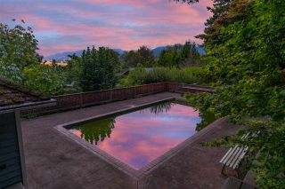 """Photo 12: 301 N HYTHE Avenue in Burnaby: Capitol Hill BN House for sale in """"CAPITOL HILL"""" (Burnaby North)  : MLS®# R2531896"""