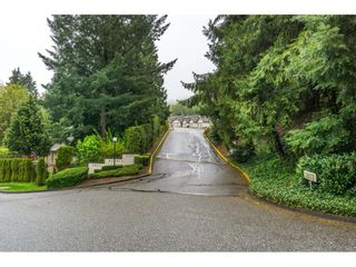 "Photo 2: 2 2803 MARBLE HILL Drive in Abbotsford: Abbotsford East Townhouse for sale in ""Marble Hill Place"" : MLS®# R2161582"