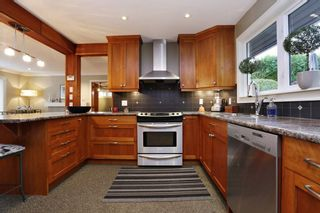 Photo 7: 958 DEVON Road in North Vancouver: Forest Hills NV House for sale : MLS®# R2205971