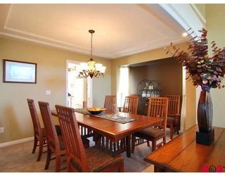 """Photo 5: 9266 207TH Street in Langley: Walnut Grove House for sale in """"GREENWOOD"""" : MLS®# F2831840"""