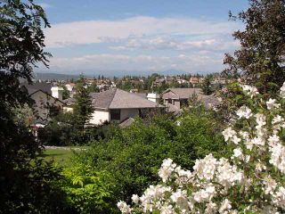 Photo 2: 222 EDGEVIEW Drive NW in CALGARY: Edgemont Residential Detached Single Family for sale (Calgary)  : MLS®# C3595193
