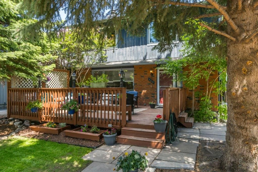 Main Photo: 163 Midland Place SE in Calgary: Midnapore Semi Detached for sale : MLS®# A1122786
