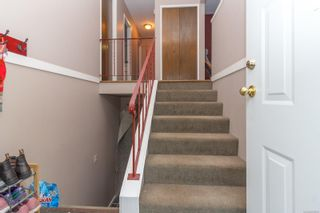 Photo 4: 3905 Grange Rd in : SW Strawberry Vale House for sale (Saanich West)  : MLS®# 860660