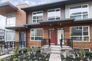 """Photo 1: 152 2228 162 Street in Surrey: Grandview Surrey Townhouse for sale in """"BREEZE"""" (South Surrey White Rock)  : MLS®# R2143902"""