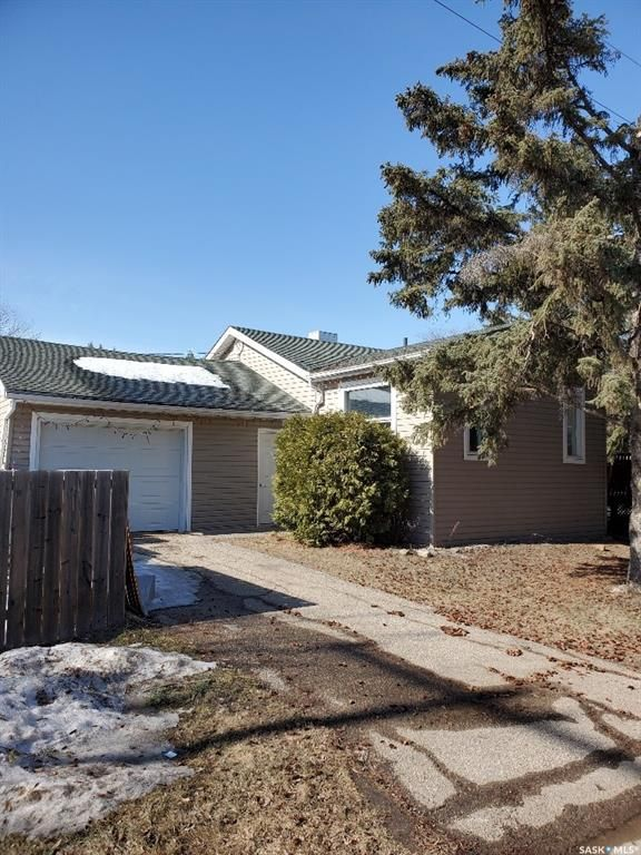 FEATURED LISTING: 1020 106th Avenue Tisdale