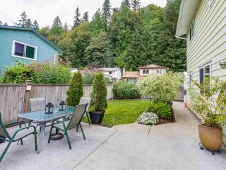 Photo 4: 1885 BLUFF Way in Coquitlam: River Springs House for sale : MLS®# R2094392