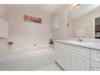 Photo 14: 21093 43 Avenue in Langley: Brookswood Langley House for sale : MLS®# R2088477