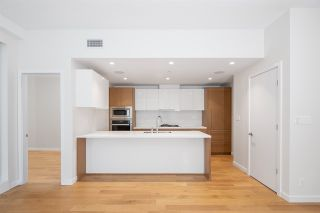 """Photo 4: 601 788 ARTHUR ERICKSON Place in West Vancouver: Park Royal Condo for sale in """"Evelyn by Onni"""" : MLS®# R2475467"""