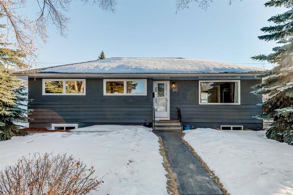 Main Photo: 100 Westwood Drive SW in Calgary: Westgate Detached for sale : MLS®# A1057745