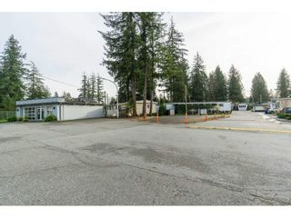 """Photo 31: 14 24330 FRASER Highway in Langley: Otter District Manufactured Home for sale in """"Langley Grove Estates"""" : MLS®# R2518685"""