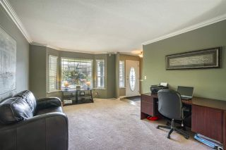 Photo 2: 35033 KOOTENAY Drive in Abbotsford: Abbotsford East House for sale : MLS®# R2452148