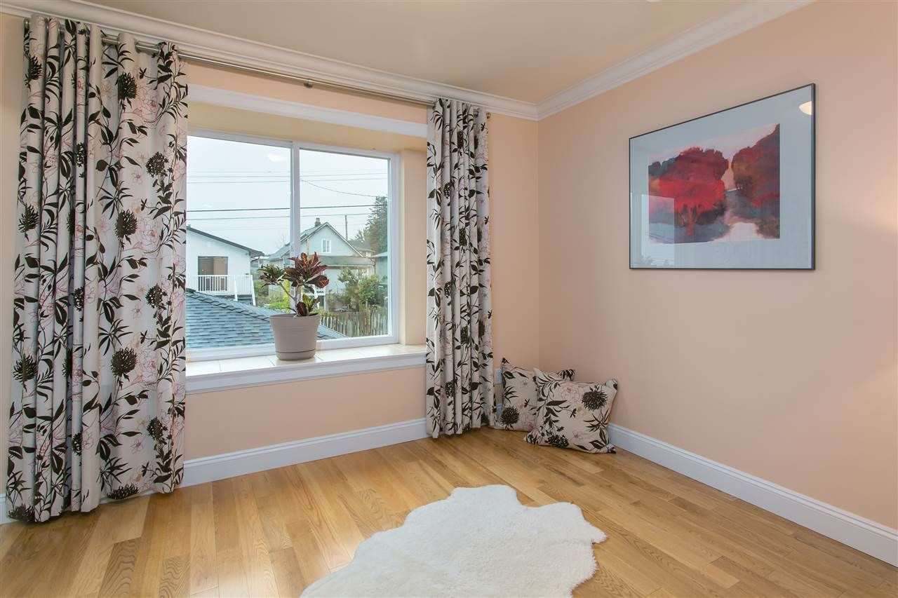 Photo 5: Photos: 5248 INVERNESS STREET in Vancouver: Knight House for sale (Vancouver East)  : MLS®# R2008416