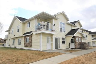 Main Photo: 21 33 Jennings Crescent: Red Deer Row/Townhouse for sale : MLS®# A1098743