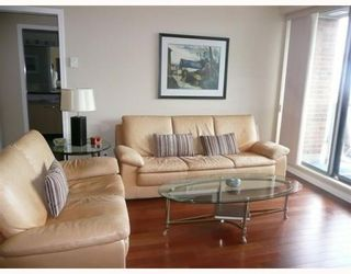 """Photo 3: 1005 1575 W 10TH Avenue in Vancouver: Fairview VW Condo for sale in """"TRITON ON 10TH"""" (Vancouver West)  : MLS®# V764989"""