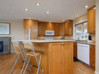 Photo 8: 2521 Emmy Pl in : CS Tanner House for sale (Central Saanich)  : MLS®# 871496