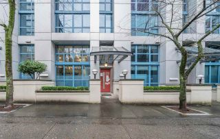Photo 1: 105 1238 SEYMOUR STREET in Vancouver: Downtown VW Townhouse for sale (Vancouver West)  : MLS®# R2532797