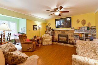 Photo 5: 12768 60 Avenue in Surrey: Panorama Ridge House for sale : MLS®# R2149274