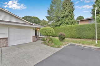 """Photo 4: 8 18960 ADVENT Road in Pitt Meadows: Central Meadows Townhouse for sale in """"MEADOWLAND VILLAGE"""" : MLS®# R2614039"""