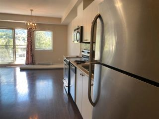"""Photo 6: 406 38142 CLEVELAND Avenue in Squamish: Downtown SQ Condo for sale in """"CLEVELAND COURTYARD"""" : MLS®# R2581310"""