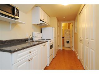 """Photo 16: 4472 QUEBEC Street in Vancouver: Main House for sale in """"MAIN STREET"""" (Vancouver East)  : MLS®# V1037297"""