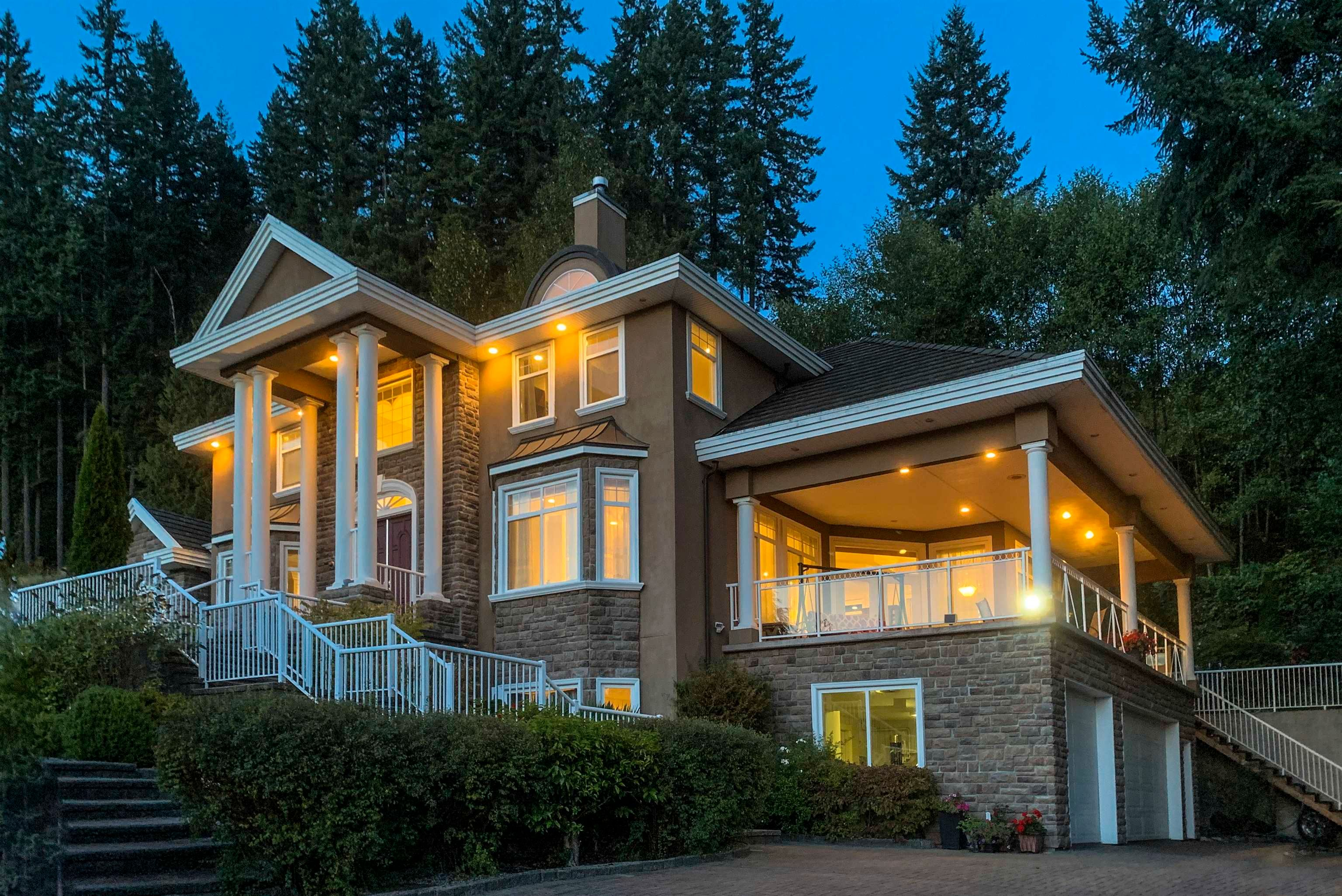 """Main Photo: 255 ALPINE Drive: Anmore House for sale in """"ANMORE ESTATES"""" (Port Moody)  : MLS®# R2602462"""