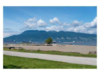 Photo 1: 106 3333 4TH Ave W in Vancouver West: Home for sale : MLS®# V1122969
