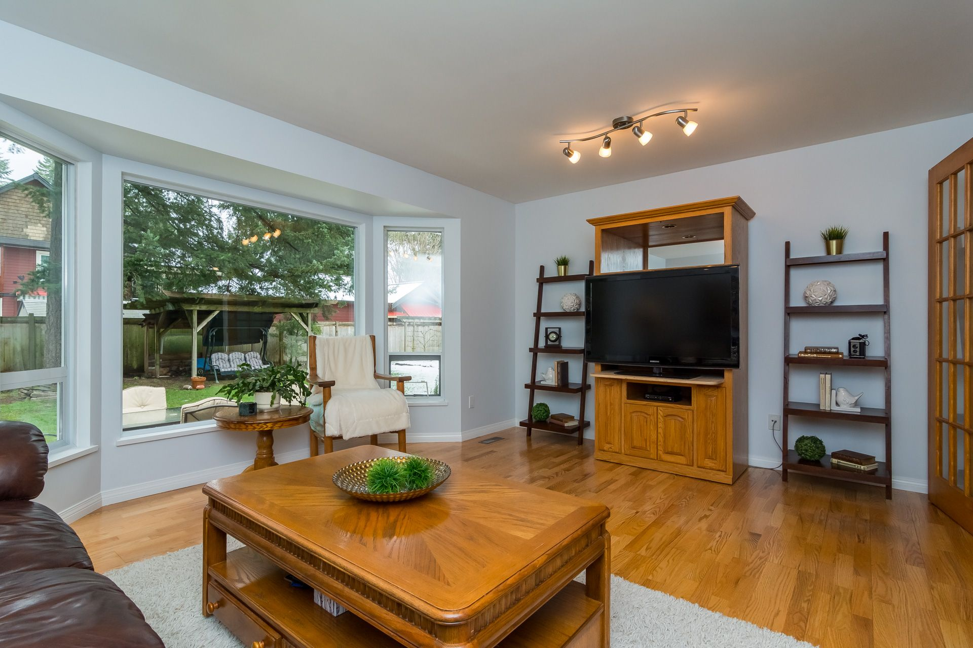 """Photo 10: Photos: 19941 37 Avenue in Langley: Brookswood Langley House for sale in """"Brookswood"""" : MLS®# R2240474"""