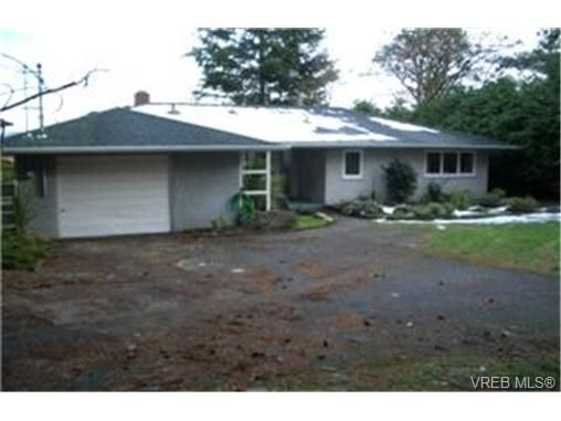 Photo 2: Photos: 5063 Wesley Rd in VICTORIA: SE Cordova Bay House for sale (Saanich East)  : MLS®# 417433
