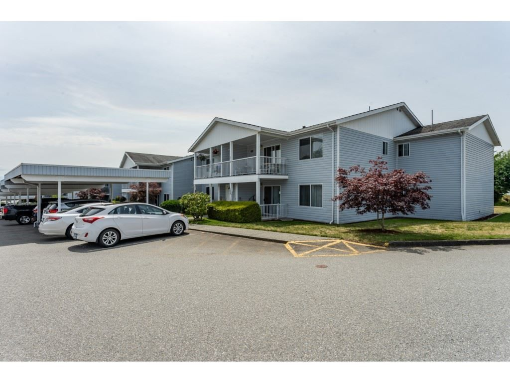 """Main Photo: 211 32691 GARIBALDI Drive in Abbotsford: Abbotsford West Townhouse for sale in """"CARRIAGE LANE"""" : MLS®# R2418995"""