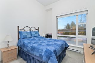 """Photo 13: 5413 LOUGHEED Highway in Burnaby: Parkcrest Townhouse for sale in """"SEASONS"""" (Burnaby North)  : MLS®# R2516986"""