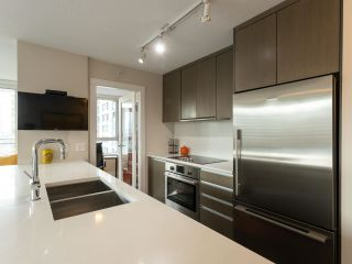 "Photo 8: 1006 1009 HARWOOD Street in Vancouver: West End VW Condo for sale in ""The Modern"" (Vancouver West)  : MLS®# R2546886"