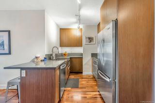 """Photo 2: 206 251 E 7TH Avenue in Vancouver: Mount Pleasant VE Condo for sale in """"District"""" (Vancouver East)  : MLS®# R2443940"""