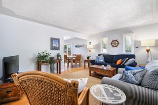 Photo 12: 580 Northmount Drive NW in Calgary: Cambrian Heights Detached for sale : MLS®# A1126069