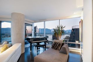 """Photo 11: 3402 1111 ALBERNI Street in Vancouver: West End VW Condo for sale in """"Shangri-La Live/Work"""" (Vancouver West)  : MLS®# R2482149"""