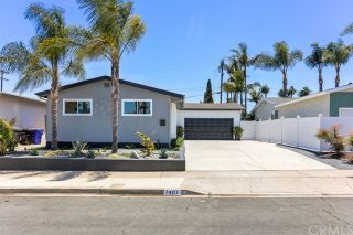 Photo 1: CLAIREMONT House for sale : 3 bedrooms : 7407 Salizar Street in San Diego