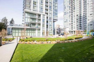 """Photo 16: 704 4900 LENNOX Lane in Burnaby: Metrotown Condo for sale in """"The Park"""" (Burnaby South)  : MLS®# R2553108"""