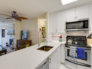Photo 8: 404 6745 STATION HILL COURT in Burnaby: South Slope Condo for sale (Burnaby South)  : MLS®# R2445660