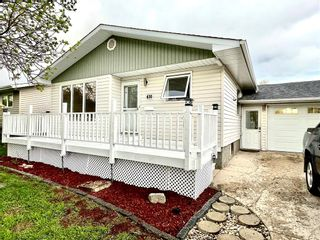 Photo 3: 630 9TH S Street in Portage La Prairie: Northwest - North of Tracks Residential for sale (P05 - NW - North of Tracks)  : MLS®# 202112743